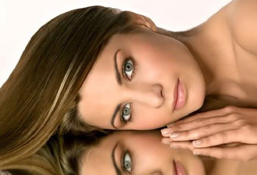 Ухаживаем за подверженными жирности волосами